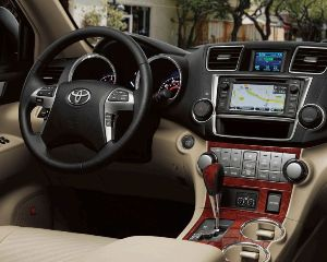 2013 Toyota Highlander dealer in Morristown
